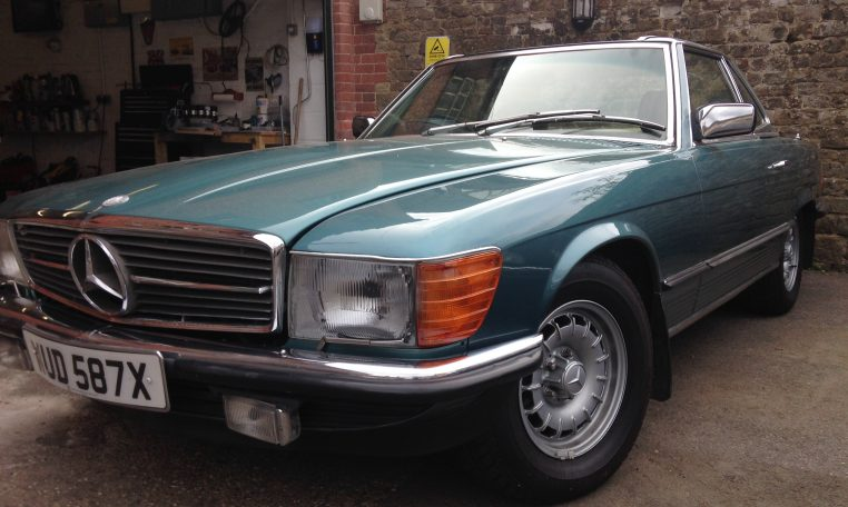 1982 Mercedes Benz 500SL - Country Classic Cars - Midhurst, West Sussex